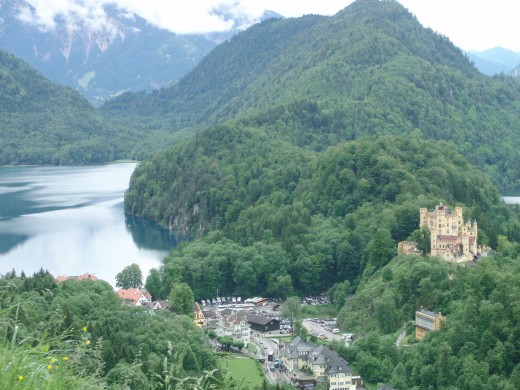 The view from the Neuschwanstein to Hohenschwangau and the lake.