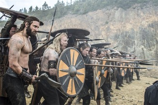 Rollo and a rival warring tribe began an assault on Ragnar and his former friends.