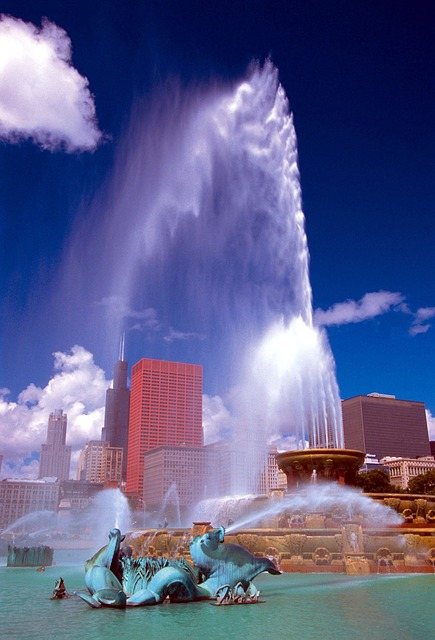 Downtown Chicago and a famous fountain.