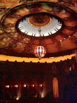 Inside the Fox Theater, you can see a lot of amazing design. It was beautiful and very inspiring.
