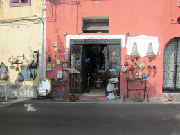 A beautiful shop near the bus stop in Positano