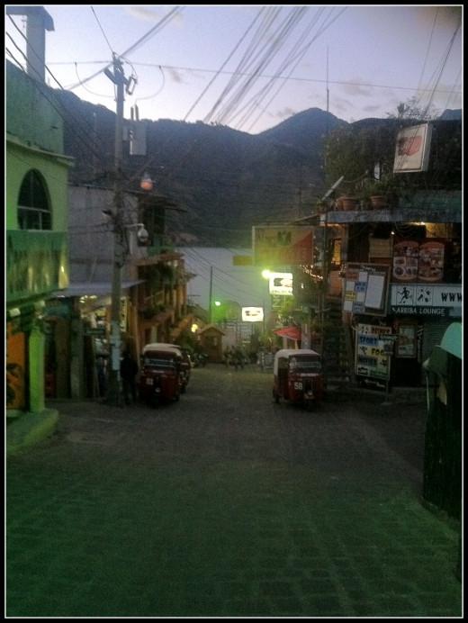 Night time and tuk tuks in San Pedro