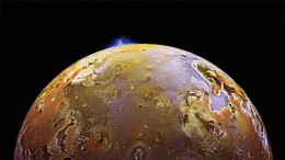 This stunning photo shows in great clarity Jupiter's moon Io, so why are all the photos of our Moon so blurry?