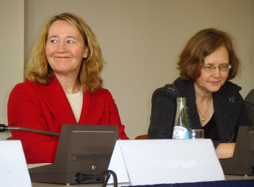 Nobel Prize laureates Carol Greider (left) and Elizabeth Blackburn (right), co-discoverers of the enzyme telomerase.