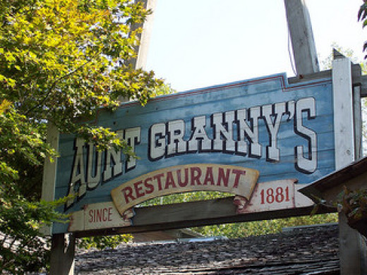 Aunt Granny's Dollywood