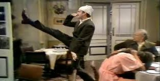 Fawlty Towers - Don't mention the war!