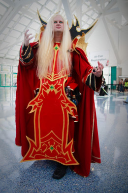Cosplayer of Kael'thas Sunstrider, from World of Warcraft