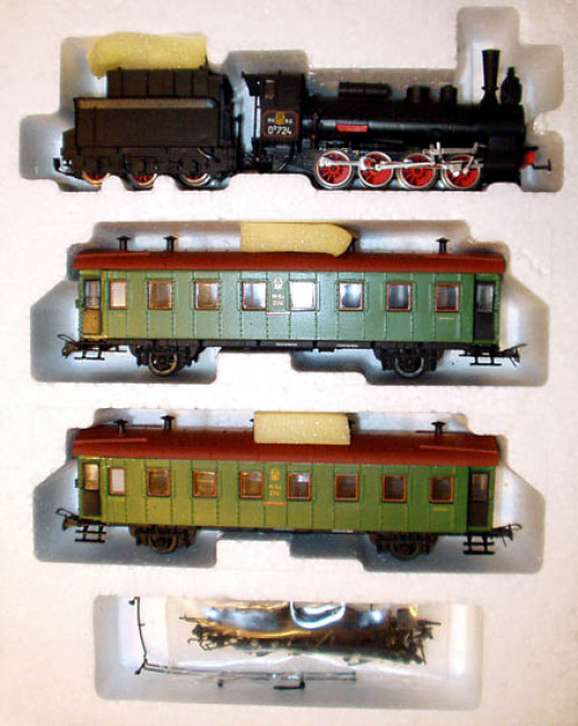 HO Scale Model Train Sets