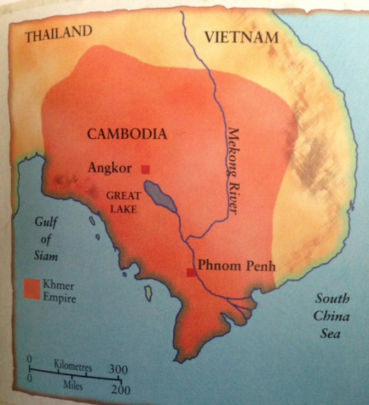 The kingdom of the Khmers occupied much of modern Cambodia, plus the southern part of Vietnam. Around 1 million people lived in the capital of Angkor. The rest of the population occupied the floodplains of rivers such as the Mekong.