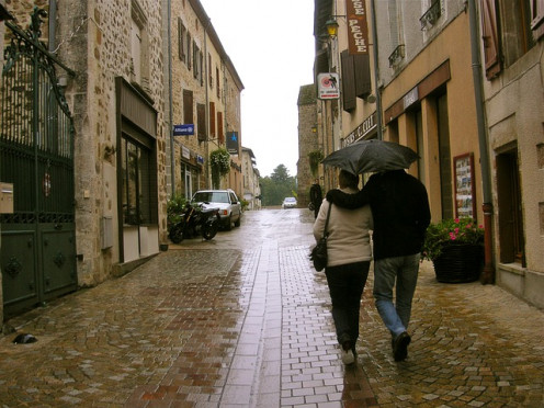 Umbrella Couple Wet Rain Street Strolling Cobbles/inkflo