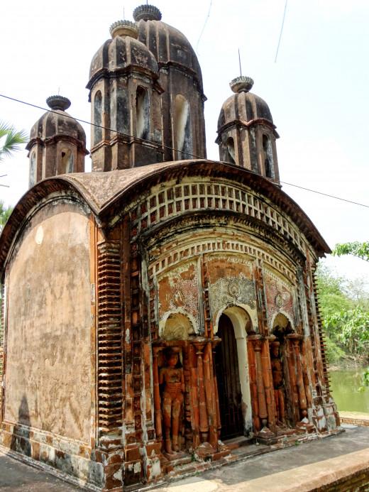 Pancharatna Shiva temple