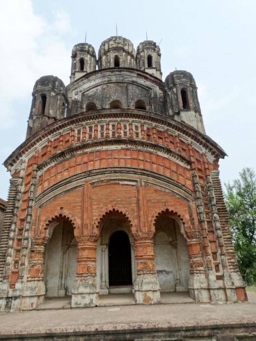 Nabaratna Shiva temple