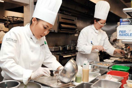 Kapiʻolani Community College offers formal culinary training.