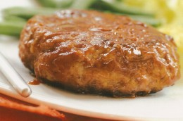 Although the hamburger or Hamburg steak is said to have come from Germany, many countries have adapted its preparation to suit to their own local tastes. Here is the Japanese-style Hamburg steak