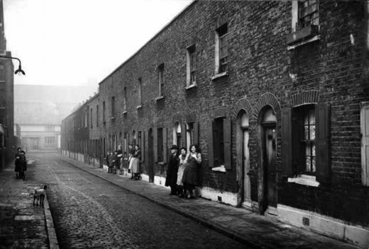 A street scene in Bermondsey, London, the borough where my dad grew up, in 1936, when he would have been seven years old.