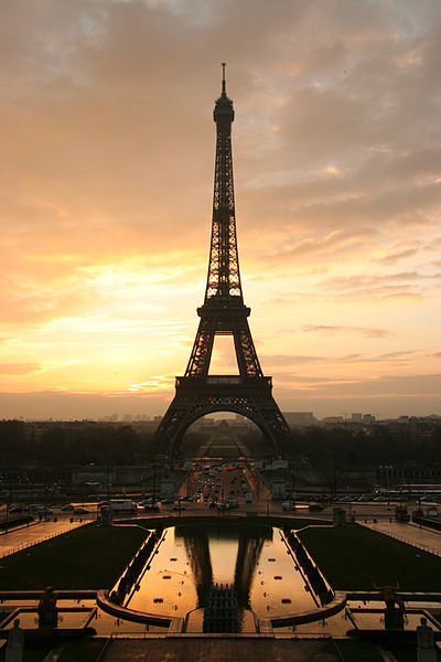 Sunrise at The Eiffel Tower (Paris, France) - January 11, 2005 by Tristan Nitot