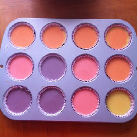 Pour one colour after the other for tye-dye layered effect.