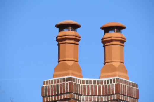 Edwardian Clay Chimney Pot with rainguards