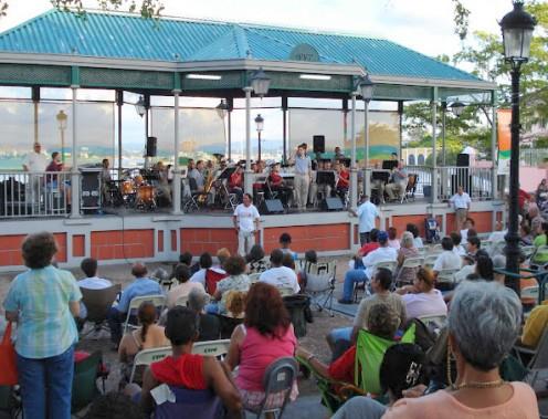 Free public concert in Old San Juan.  Copyright Amanda Bateman