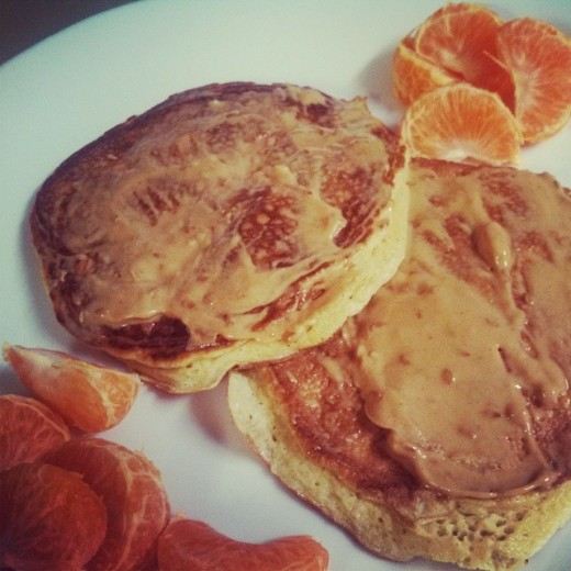 Yummy protein pancakes with oranges.