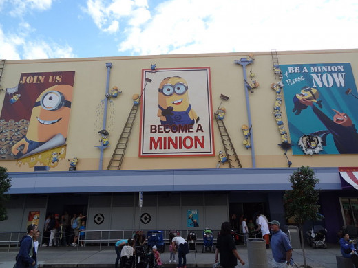Become a minion in the Despicable Me ride.