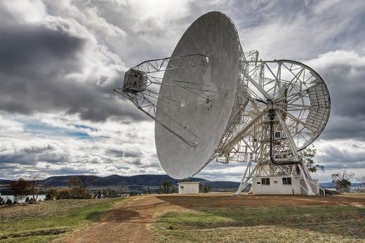 The 26m Radio Telescope at Mount Pleasant Radio Observatory, Tasmania, Australia photo by Noodle snacks