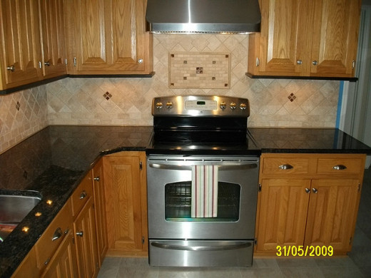 Kitchen Granite with Tile Backsplash