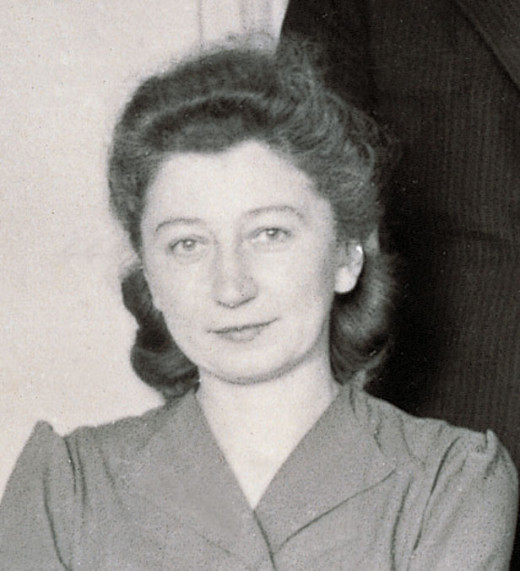 Miep Gies, a helper of the family, who kept the diary at her home, waiting for the Franks to return