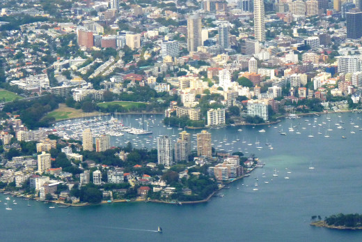 This is the Darling Point and Elizabeth Bay area due east of downtown Sydney.