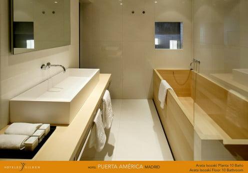 Hotel PuertaAmerica Madrid Bathroom