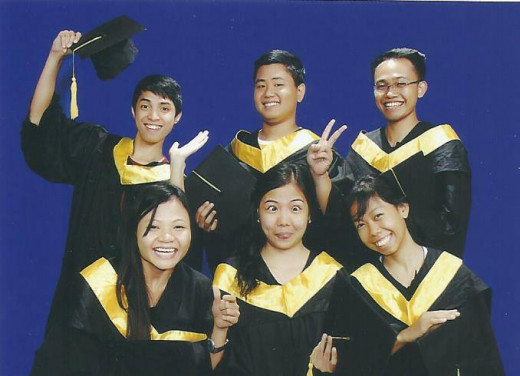 One of the choices for jobs of newly minted accountants is --- as Management Accountants. This is a group of Accountancy graduates from the DFCAMCLP in Las Pinas.