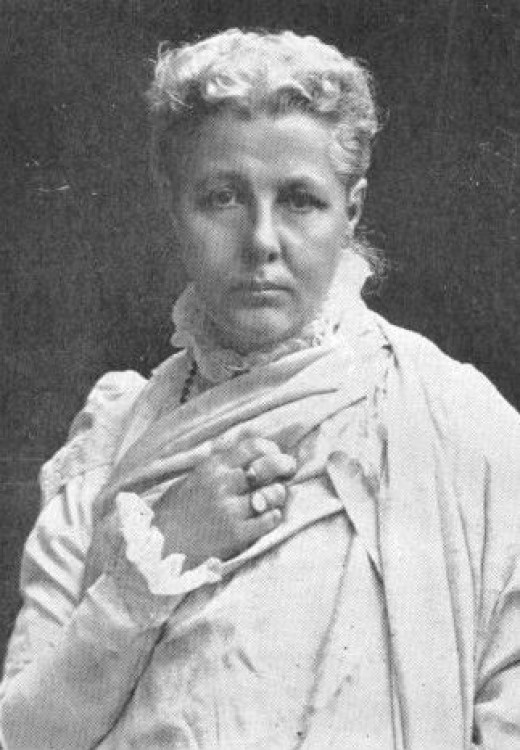 Annie Besant, leader of the Theosophical Society, who helped raise and care for Krishnamurti in his youth, and prepare him for what she believed would be his position as Messiah.