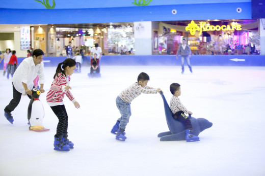 Vincom Mega Mall Royal  ice skating rink
