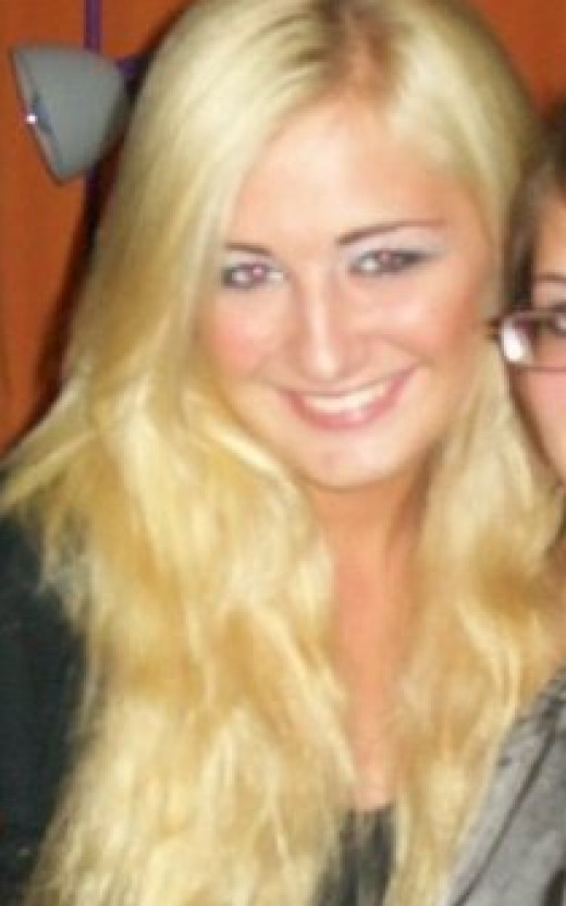 and by the time I was a freshman in college, one more blonde dye job + sun and chlorine made my hair a pretty platinum blonde, but you can see how damaged it is.