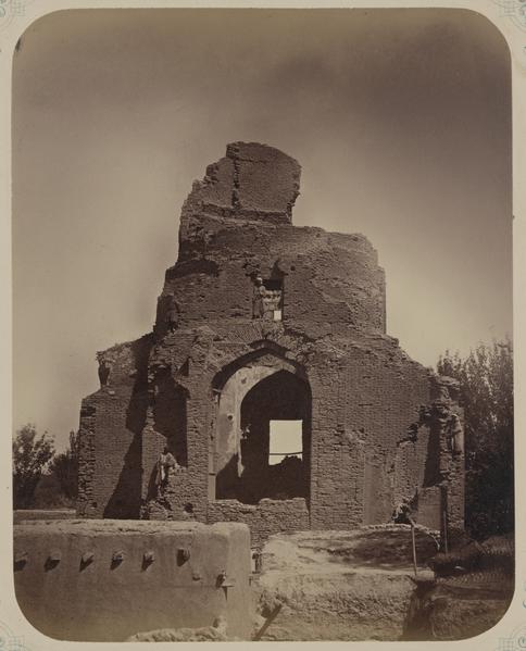 Photograph of the Bibi Khanym mausoleum in Samarkand (Uzbekistan)