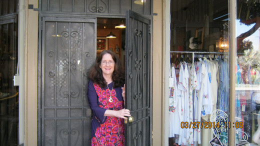 Vintage On Venice owner, Marti Milakovich in front of her store, photo taken by Victoria Moore