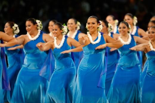 Halau I Ka Wekiu, 2012 2nd place Wahine 'Auana, Kuma Hula Karl Kamaluikauakokoha`aheoinapali Baker & Michael Nalanakila`ekolu Casupang, Honolulu, O'ahu