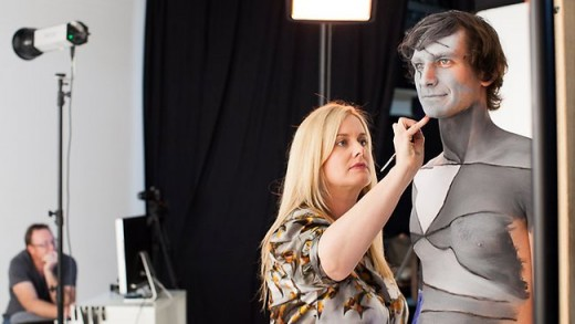 Emma painting Gotye for the music video ' Somebody that I used to know'