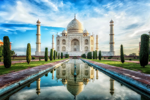 words can't describe the beauty of the Taj, it's simply wow! One may fault in using an appropriate adjective to describe the beauty of this wonder build in white marble.