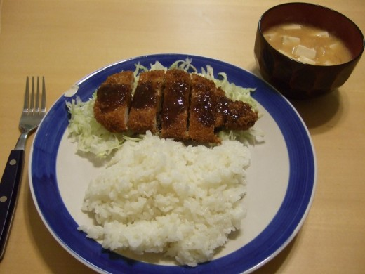 A common Japanese meal featuring tonkatsu.