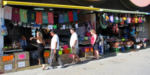 Outdoor shopping is popular in Aruba, Nassau and other islands. © Scott Bateman