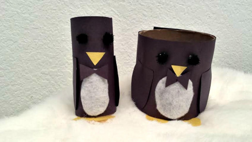 Keep reading below for instructions on how to make these easy penguin crafts.