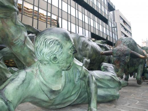 Running of the Bulls statue