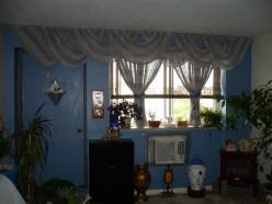 Frugal Decorating Tips for Blue