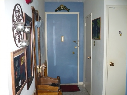 This is the oposite end of hall . My front door