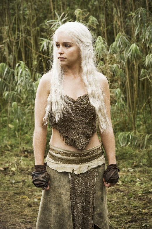 Daenerys in her usual Brown outfit