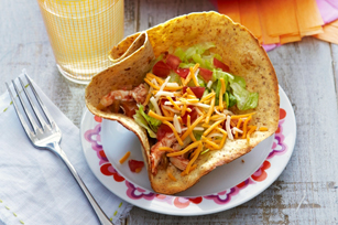 Chicken Tinga Bowls is a fun main dish to make for Cinco de Mayo!  Kids can join in on making the bowls and filling them!