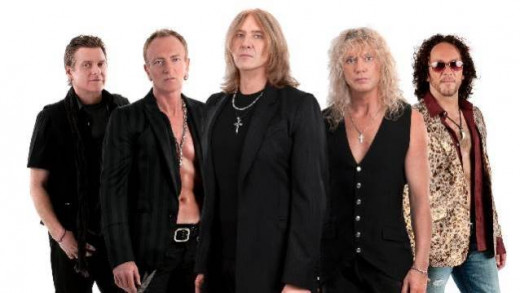 From left to right: Rick Allen (drums), Phil Collen (lead guitars), Joe Elliot (lead vocals), Rick Savage (bass guitars), Vivian Campbell (lead/rhythm guitars)