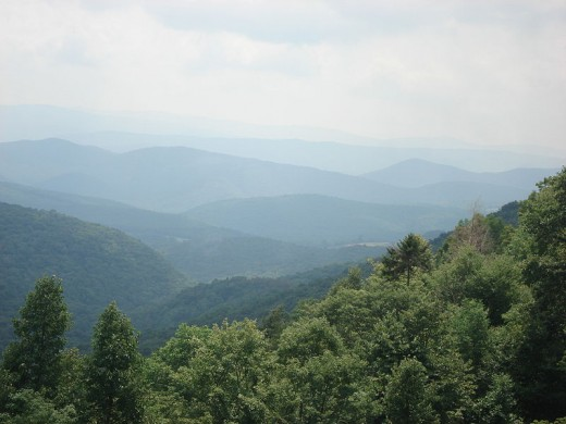 Mountainous ridges and valleys of the northern park of the trip to North Carolina from Mayland