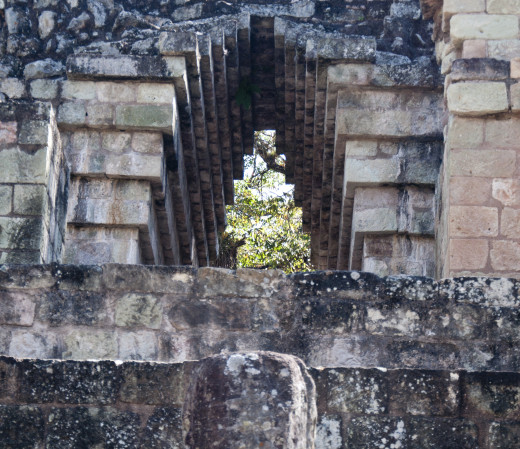 Corbelled arch at Copán.
